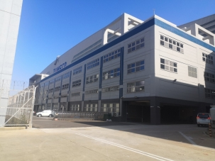 三機棚廠大鐵門除銹、防蝕暨油漆粉刷工程案